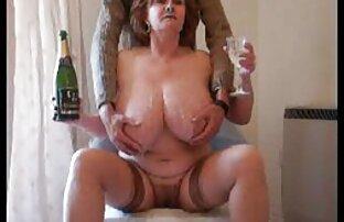 Busty Babe masturbates dengan vagina basah di foto foto sex japan Cam