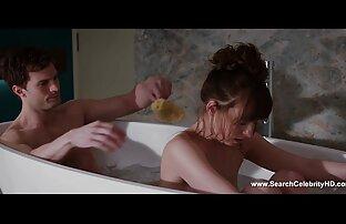 Audrey xxxx jepang selingkuh mencoba bikini baru.