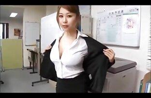 Remaja seksi ini berada di atas ayam video sex mertua dan menantu jepang